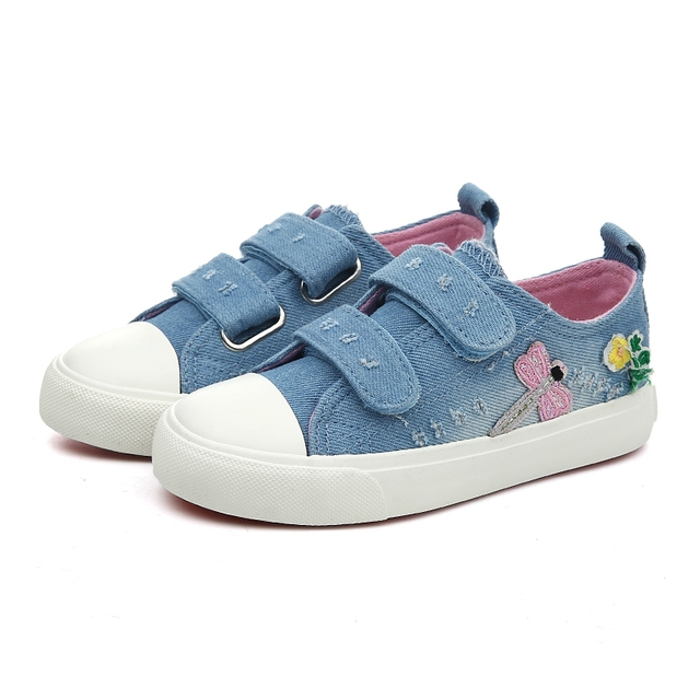 82ec03f842144 US $12.11 25% OFF 2019 New Spring Girls Shoes Deodorant Canvas Children  Shoes Flower Embroidery Girls Sneakers Dragonfly Denim Kids Casual Shoes-in  ...