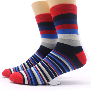 Image 2 - 1pair Mens Funny Socks Gradient Color Cotton Socks Art Casual Dress Crew Socks for Male Geometry Novelty Compression Sock Meias