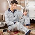Conjuntos de pijamas para hombre primavera de 2017 nueva moda de otoño ropa de noche masculina conjunto de manga larga más tamaño salón padre