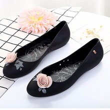 New Fashion Lady Jelly Shoes Non-slip Flat Sandals Round Toe Woman Summer Beach Shoes Sandale Femme Melissa Sandalias Mujer