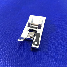 OVERLOCK STITCH SEWING MACHINE FOOT SNAP ON WILL FIT, BROTHER, JANOME, TOYOTA, NEW SINGER DOMESTIC SEWING MACHINES AA7052
