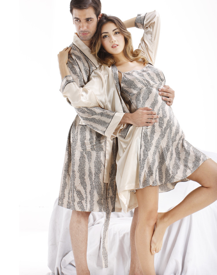 Looking for a sleepwear sale? Look no further than our large collection of discount pajamas for men and women. You will find your favorite warm flannel or cool cotton pj's from such well-known brands as Bedhead, PJ Salvage, Munki Munki, Hatley Nature, The Cat's Pajamas and more.