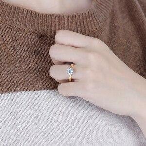 Image 5 - Transgems 14K 585 Two Tone Oro Moissanite Anello di Fidanzamento per Le Donne Centro 2ct 8 millimetri F Colore Moissanite Oro anello con Accento