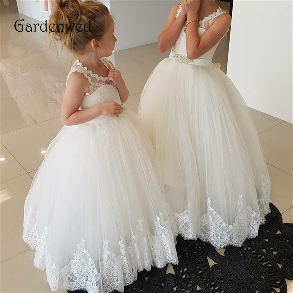 Gardenwed Lace Edge Hem V neck Sleeveless Puffy Tulle Skirt Crystal Sash White   Flower     Girl     Dresses   2019 For Wedding Keyhole Back
