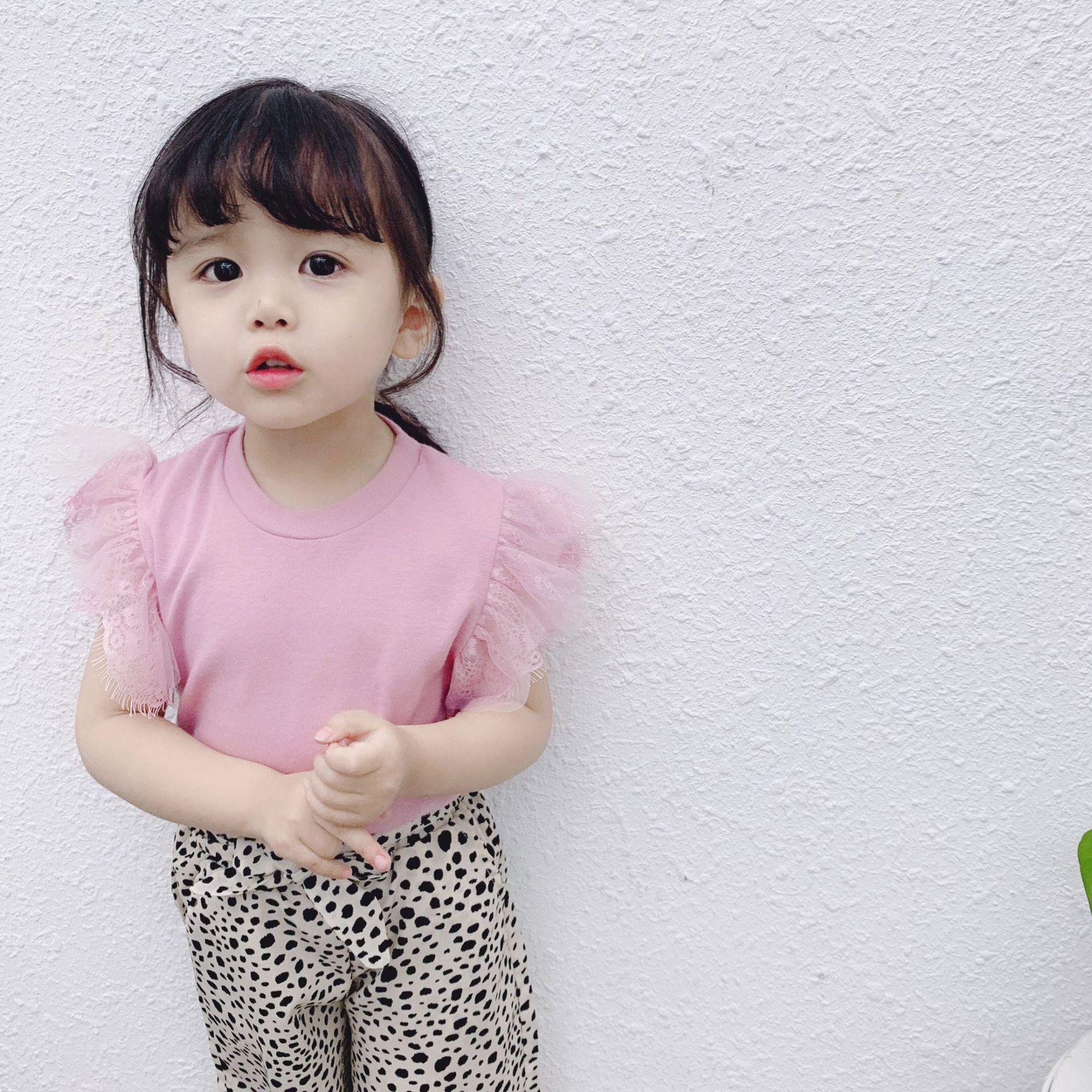 Топы для маленьких девочек; летняя хлопковая черная футболка для малышей с кружевными рукавами для детей