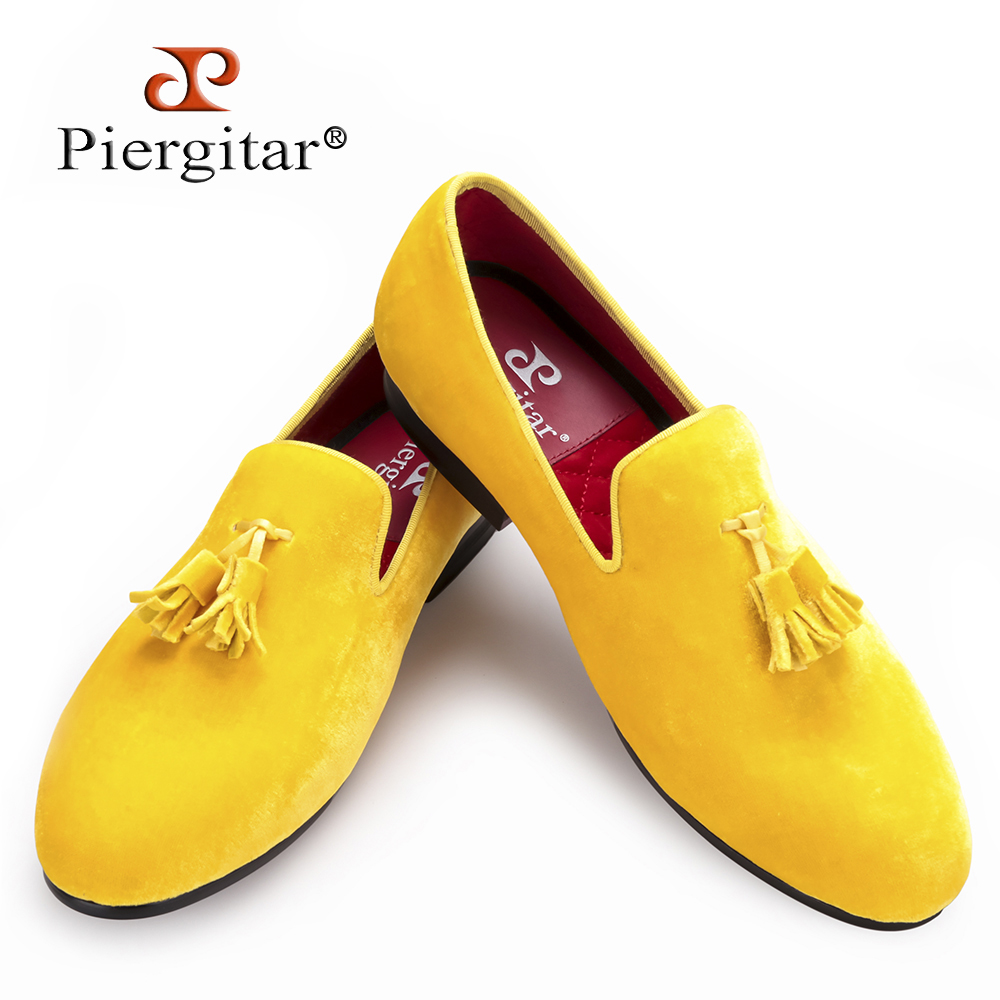 Piergitar New men velvet shoe with velvet tassel Party and Wedding men dress shoes British style men loafers fashion men's flats handcraft men velvet shoes with bird embroidery british style smoking slippers fashion party and wedding men dress loafers