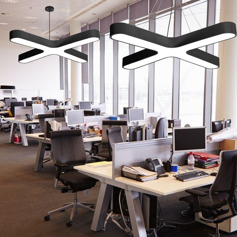 Işıklar ve Aydınlatma'ten Kolye ışıkları'de Modern LED Siyah Avize aydınlatma armatürü Beyaz Çapraz Tasarım Akrilik Asılı lamba Süspansiyon Işık için Kolye title=