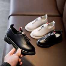 Girls leather shoes spring and autumn new style black white small for children