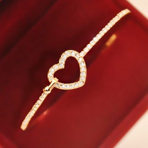 Fashion hollow full of love cute delicate Rhinestones bracelet imitation free shipping