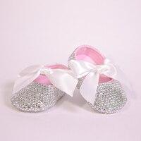 Todo Cubierto Claro Sparkle Bling hacia fuera Blanco Bautizo 0-1 Princesa Arco de La Cinta de Encargo Hecho A Mano Recién Nacido Bebé Chica Bailarina zapatos