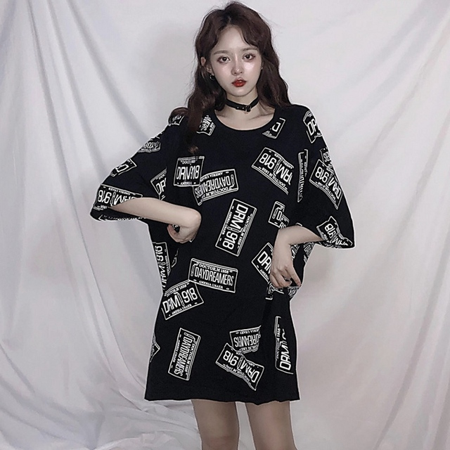 02adff95e8d3 Vogue Black White T-shirt 2018 Summer Harajuku Loose Comfortable T-shirt BF  Party Style O-neck Vintage T-shirt Womens Clothing