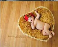סטודיו של הילדים אבזרי תמונה מאה ימים כדי לצלם תמונות צילום תינוק סל בצורת לב מחיר סיטונאי