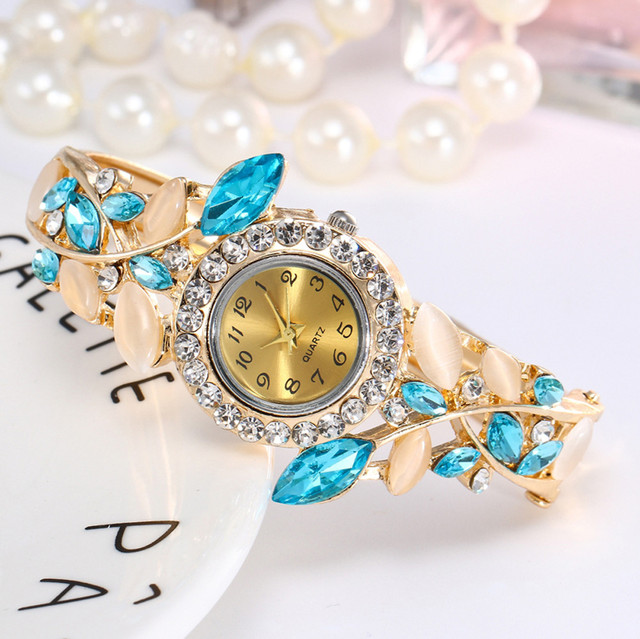 New Fashion Watch Women Crystal Quartz Wristwatches Round Glod Bracelet Watch Montre Femme Women Watches relogio feminino 30Q