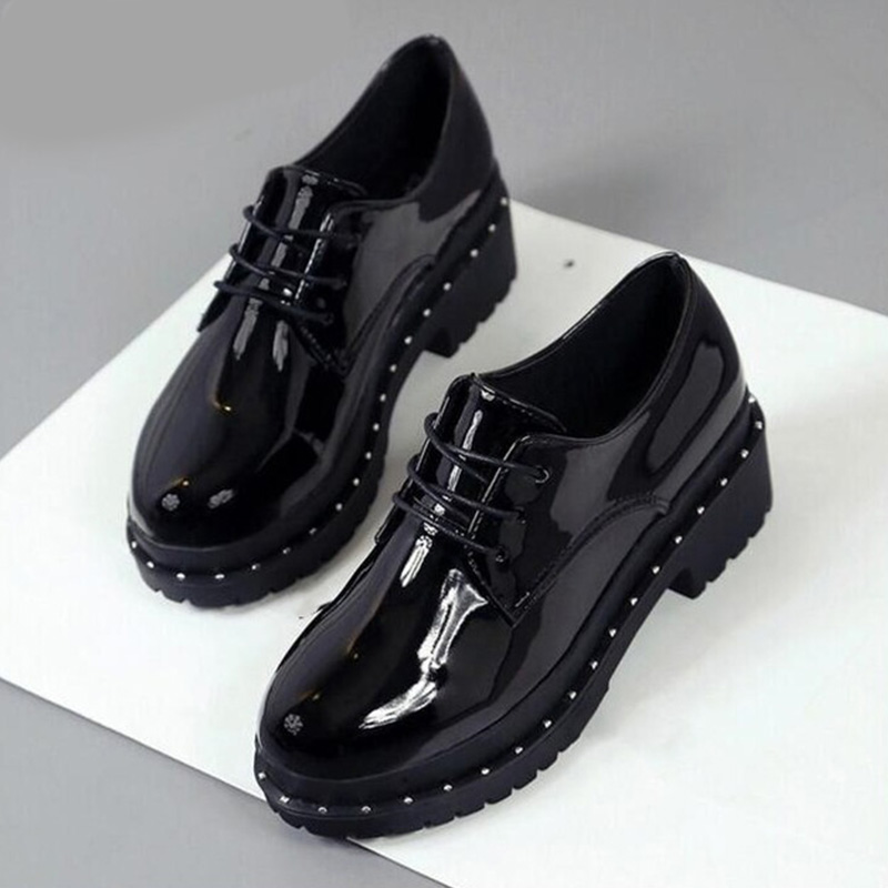 Hot Women Classic Patent Leather Lace Up Oxfords Creepers Rivet Female Platform Shallow Thick Low Heels Ladies Fashion Shoes