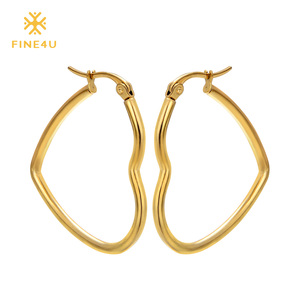 2018 New FINE4U E012 316L Stainless Steel Hoop Earrings Heart Earrings For Women Wedding Jewelry