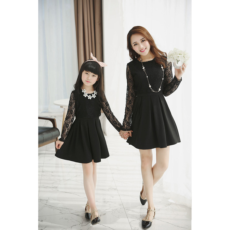 Family Matching Clothes 2017 Summer Mother and daughter dress Girl Fashion TOP Lace Long Sleeve dress Mommy and me clothes family fashion summer tops 2015 clothers short sleeve t shirt stripe navy style shirt clothes for mother dad and children
