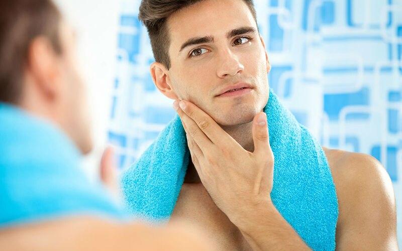 man-shaving-without-shaving-cream-800x500