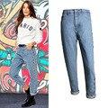 Boyfriend Jeans para As Mulheres 2016 Outono Novo Estilo Europeu de Cintura Alta Calça Jeans Femme Rebite de Metal Oco Jeans com Buracos