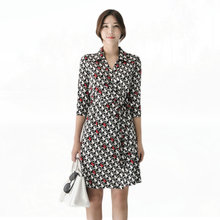 2017 Autumn Winter Wrap Dress Women V-Neck Three Quarter Sleeve Love Heart Print Knee Length Pencil Dress