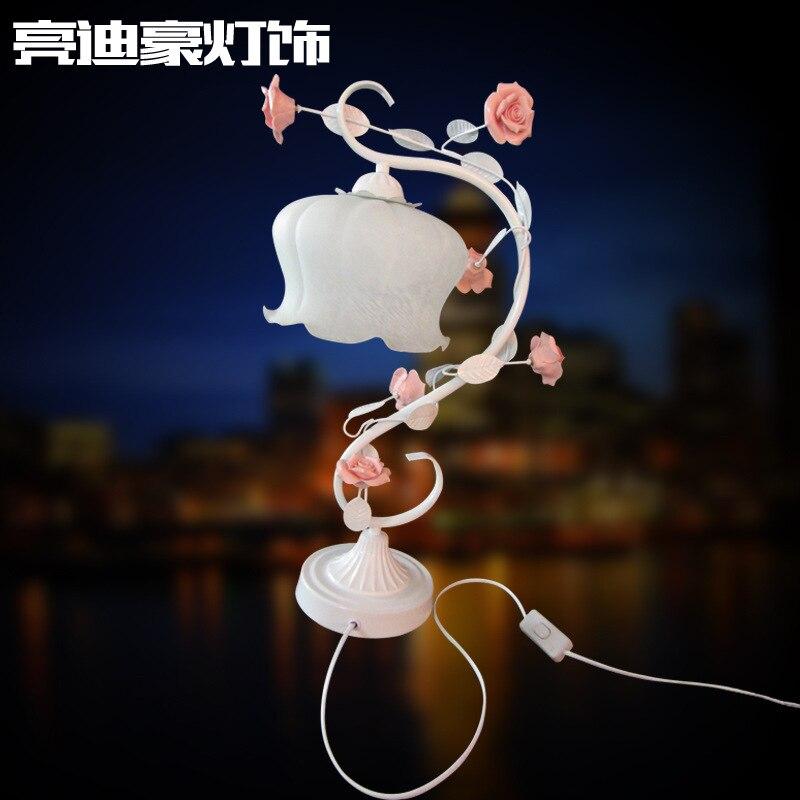Туда 30X50 см Бесплатная доставка Романтический Керамика роза резные настольная лампа матовый Стекло абажур Европейский творческий Железный...