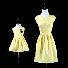 Brand yellow lace pleated Sleeveless sundresses mom baby girls party long dress family look matching mother and daughter dresses
