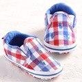 2017 Nuevos Zapatos de Bebé Primeros Caminante de la Tela Escocesa Niños Niñas Niño Zapatillas de Deporte de Lona del Niño Del Bebé Mocasines Zapatos Primero Que Caminan Calzado