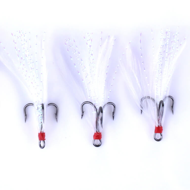 100pcs Fishing Treble Barbed Hook with Feather Fishing Jig Hook 2# 4# 6# 8# 10# Hook High Carbon Steel Fishhooks Sea Ice Tackle