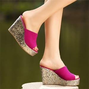 Image 4 - 2020 패션 Sequins 높은 뒤꿈치 슬리퍼 여성 여름 신발 스웨이드 플랫폼 샌들 숙 녀 웨지 샌들 플립 퍼