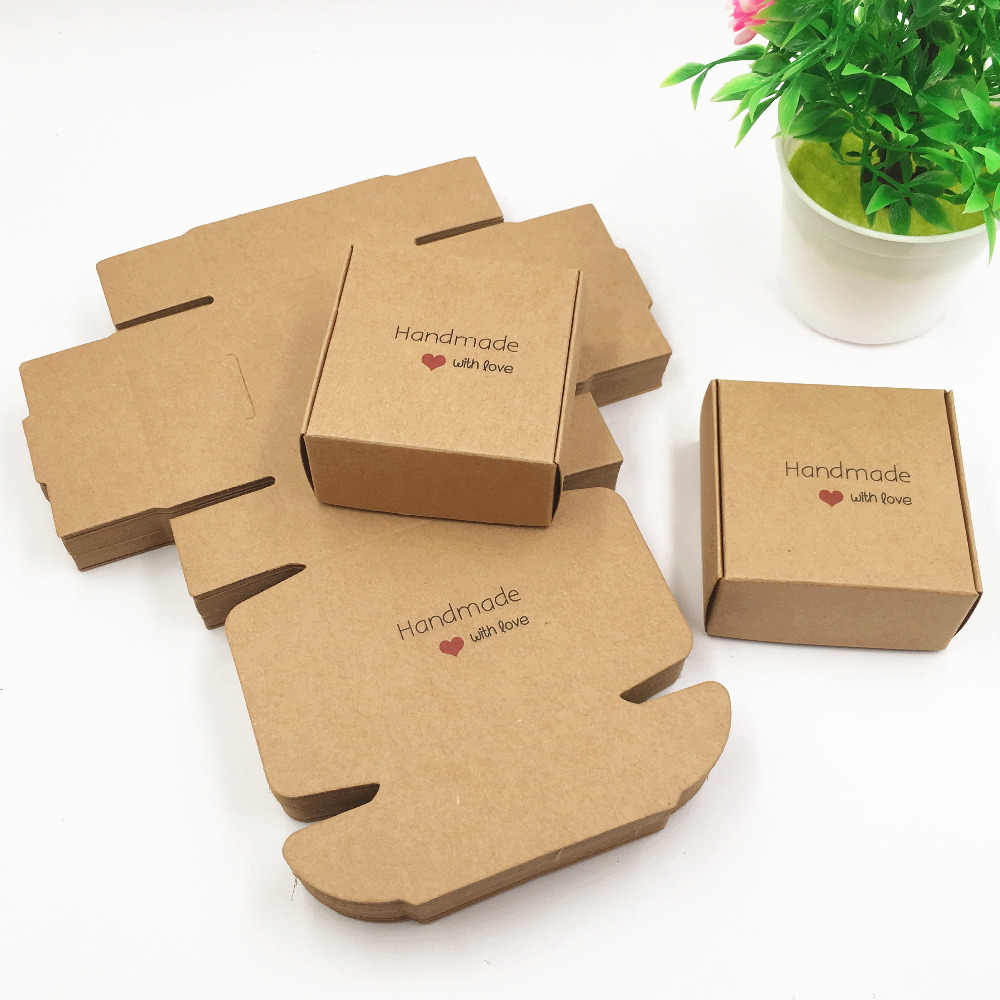 2017 New 50pcs/lot Romantic hand made with love Candy Box for Wedding Decoration Vintage Kraft Wedding Favors and Gifts Box