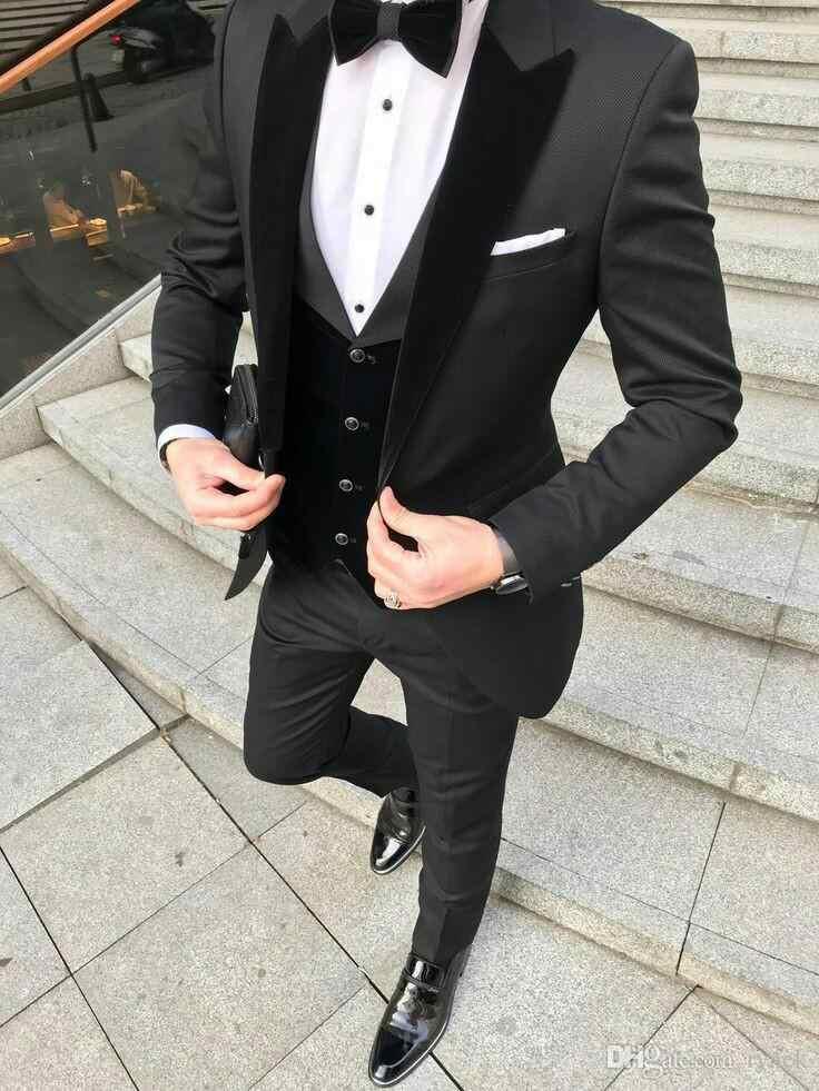 Personalizado hecho negro esmoquin de novio para hombres terciopelo alcanzó su punto máximo de hombre chaqueta de tres piezas padrino (abrigo + pantalón + chaleco)