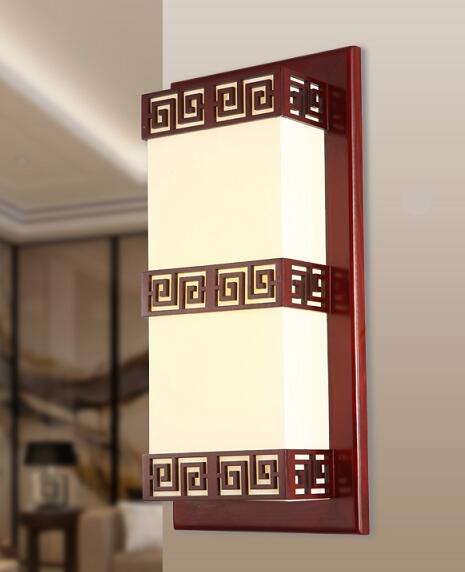 цена Chinese style Wooden wall lamp stairways Hotel living room bedroom bedside wall lamp Wood carving pendant lamps ZA ZS73