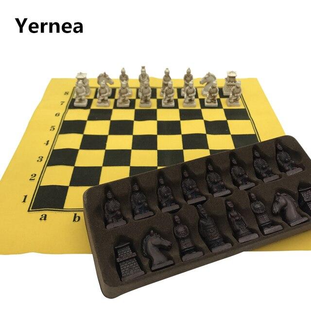 best service a7307 4ceb5 Yernea Antico Set di Scacchi ecopelle Scacchiera Cina Esercito Terracotta  Modellazione Pezzi Degli Gioco Da Tavolo Del Go gioco