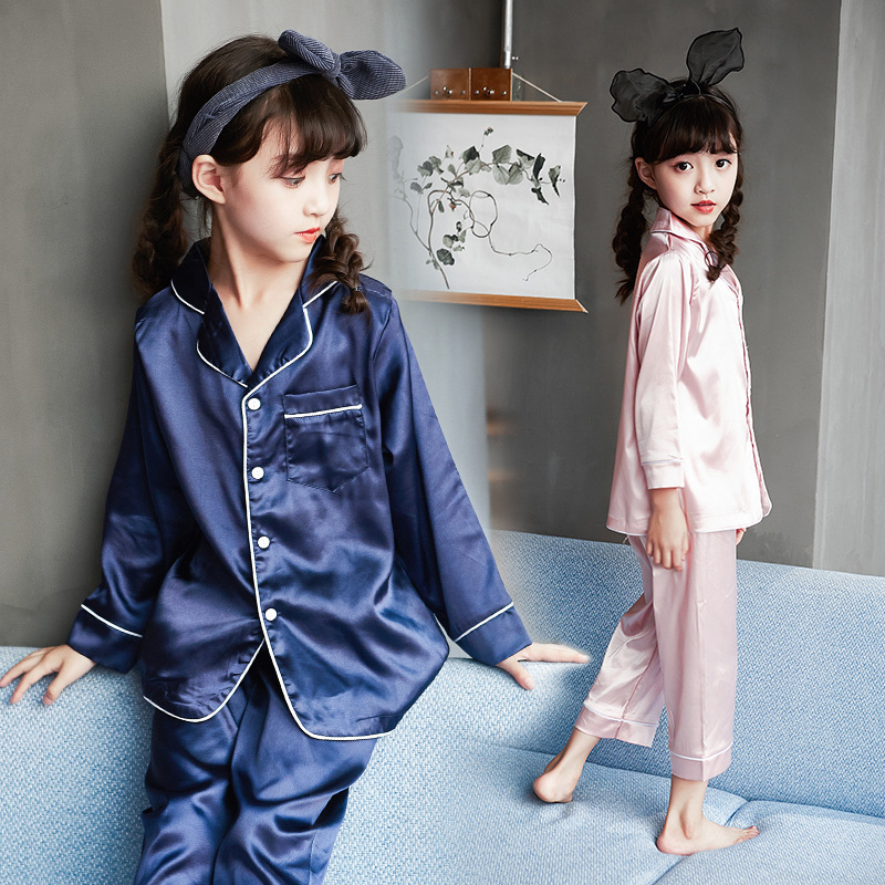 2018 2Pcs/Set Summer Autumn Girls Boys Silk Pajamas Sleepwear Soft Home Underwear Pajamas For Kids Children New sexy v neck silk material pajamas set in green