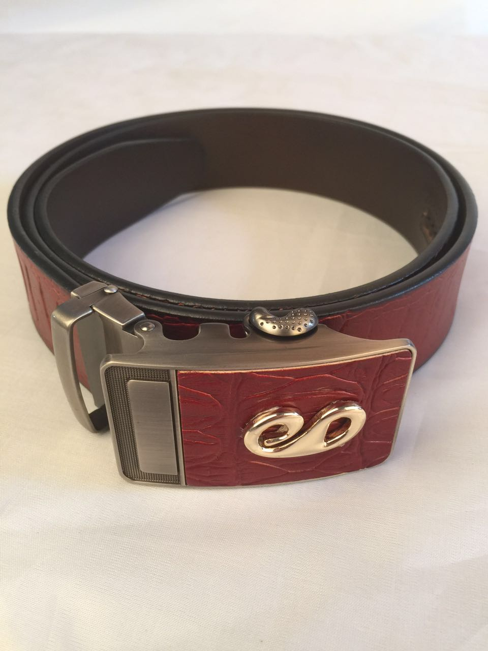 2017New fashion cowhide durable girdle man recreational comfortable soft retro copper buckle belt thickened solid colors belt