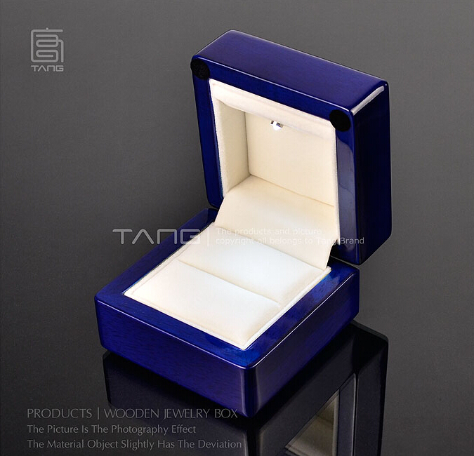 Luxurious Blue Oak Blue Piano Painted Led Ring Box Gift Spotlight