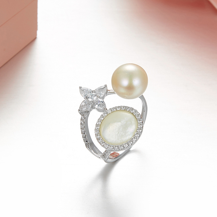 Luxury brand designer 3A cubic zirconia star moon ring with pearl rose gold silver gold 925 sterling silver monaco jewelry women brand white shell crystal star chain ring 925 sterling silver pearl shell rose compass cuff ring women wedding vents jewelry