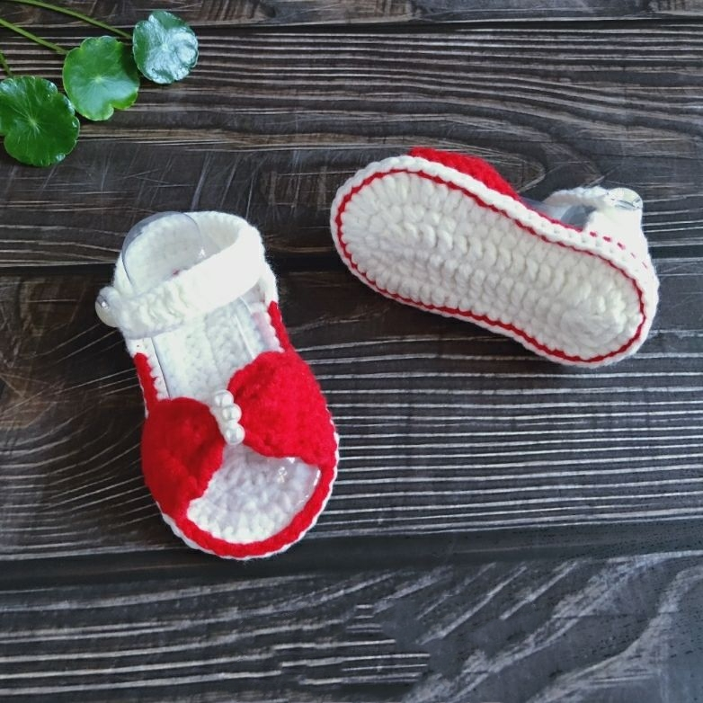 QYFLYXUESummer Sandals 0-1 Year-old Toddlers, Air-permeable Princess Shoes, Flower Soft-soled Baby Shoes