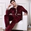 2016 Moda Moderna Homens Inverno Manter Aquecido Anti Frio Coral conjuntos de Pijama de lã de Sleepcoat & Bottoms Casuais Adultos Casa Sleepwear