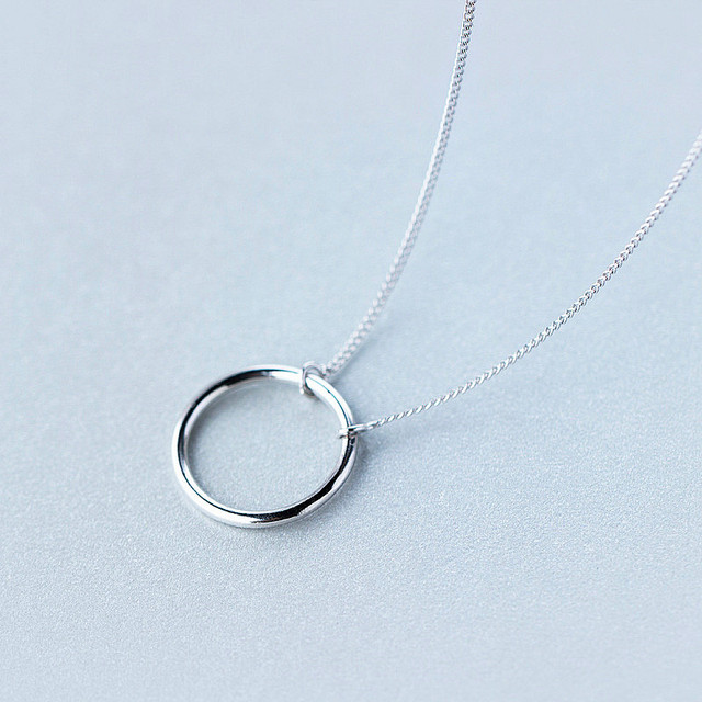 925 Sterling Silver Geometric Round Pendant Necklace