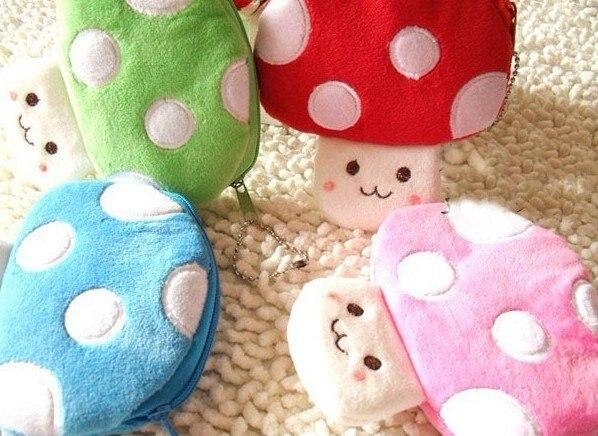 10PCS Cartoon Mario Forever Mushroom Plush HAND Coin Purse & Wallet Pouch Bag Case ; Pendant Chain Purse Bag Handbag Pack Pouch