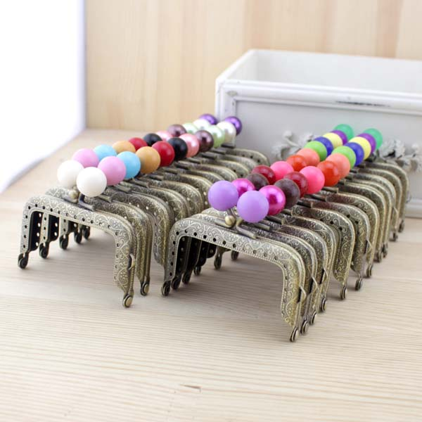 7.5cm 20pcs/lot Retro pattern sewing metal purse frame with candy kiss clasp patchwork bag handle making coin bag accessory-in Bag Parts & Accessories from Luggage & Bags    2