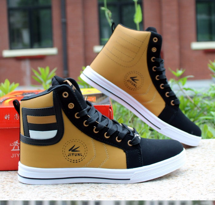 HTB1wRMZXc vK1Rjy0Foq6xIxVXau - HUANQIU Brand Men Shoes 2018 Spring Fashion Boots Shoes Man High Top Shoes Men Lace Up Casual Shoe Chaussure Plus size 45 ZLL434