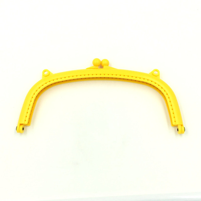 221643b505 10Pcs Yellow Plastic Semicircle Clutch Arc Frame Kiss Clasps Lock Fashion  Women Handbag Handle 16x8.5cm