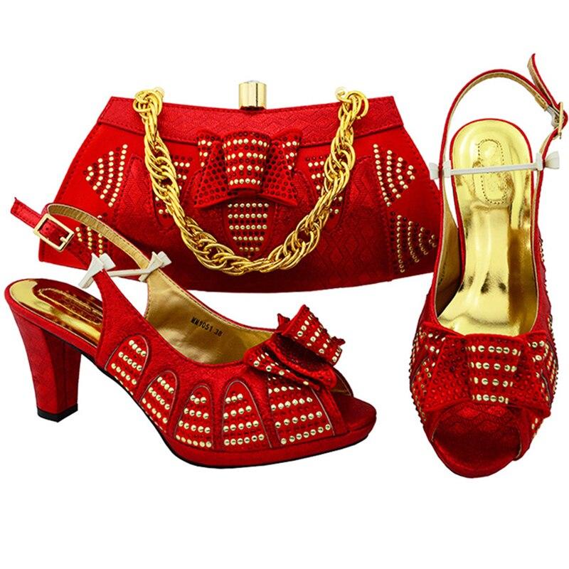 red Chaussures Africaine Italiennes Royal fuchsia Nouvelle bleu lemon Ensemble deep peach Haute Arrivée Set Et De Sac Nigériane Dames Fuchsia Purple Mariage Assorti Or Qualité Green xIH7twHq