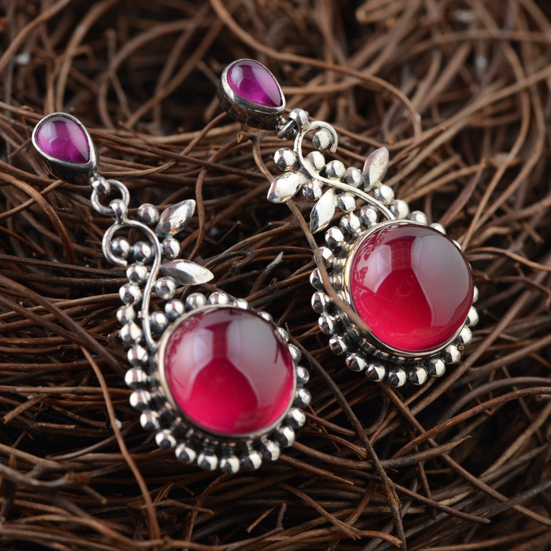 Deer king Yin Shihong corundum wholesale S925 silver inlaid antique style personality female Earrings explosion thai silver earrings s925 zircon silver inlaid white female antique style earrings atmospheric water