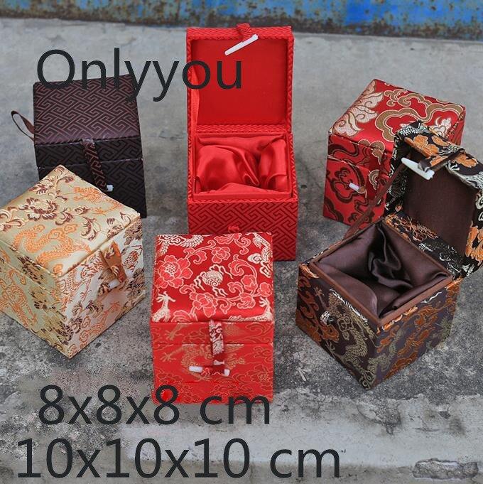 Ручной работы Китай Маленькая деревянная шкатулка квадратный куб шелковая ткань Подарочная коробка Упаковка высокого класса мягкая колле