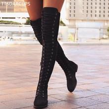 Seksowne koronki w górę na kolana buty kobiety Rzym styl buty kobiety mieszkania buty Woman zamszu długie buty zimowe udo wysokie buty 35-43 tanie tanio Dorosłych Z-911 Niska (1cm-3cm) Gumowe Masz Buty motocyklowe od 0 do 3 cm Zima Kwadratowy obcas Wiązane krzyżowe Okrągły palec