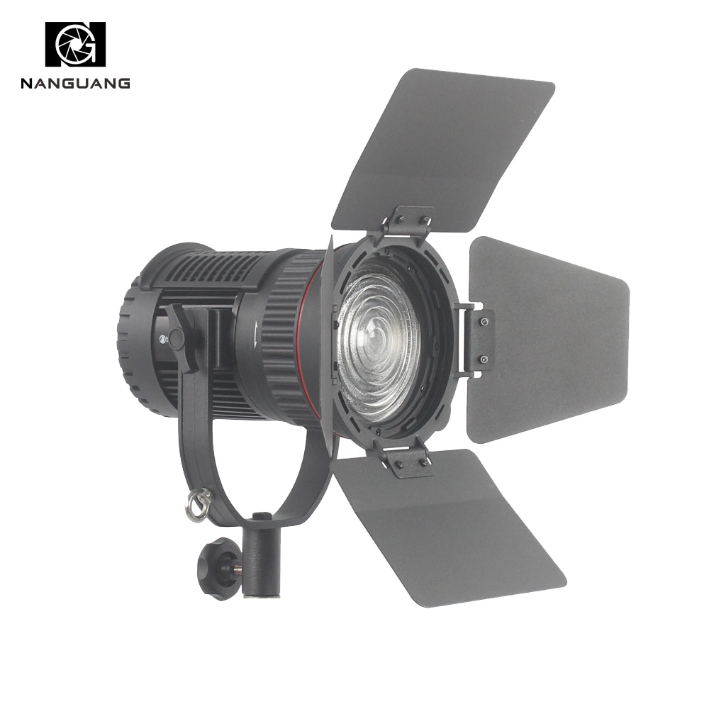 CN 30F 30W LED Fresnel Spotlight Focusable and Dimmable with 2.4G Wireless Dimming Control for Broadcast and Interview