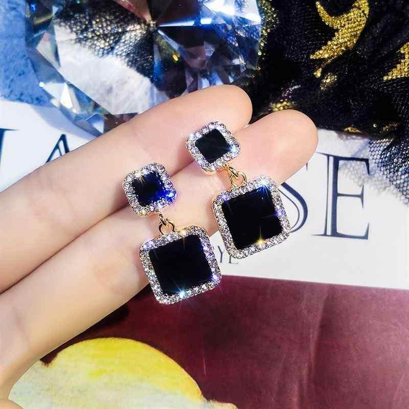 Bildirimi Küpe 2019 Siyah Kare Geometrik Küpe Kadınlar Için Kristal Lüks düğün suni elmas Küpe Altın Renk EB447