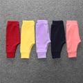 Nueva Moda Para Niños ropa Para Niños 2017 niñas niños puro Bloomers del bebé PP Deporte de Carga Pantalones de color puro Larga de color DKZ209